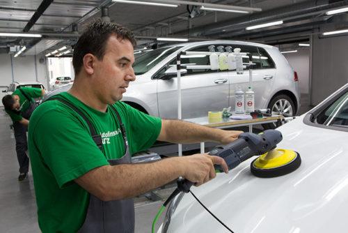 Auto reinigen und polieren